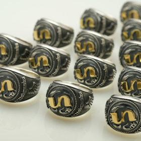 写真:ハーレーバイクチームロゴのリング