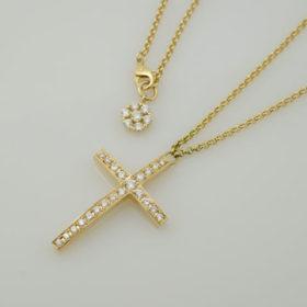 写真:K18イエローゴールドダイヤモンド入りクロスペンダント